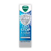 VICKS FIRST DEFENCE NASAL SPRAY FOR FIRST SIGNS OF COLD OR FLU